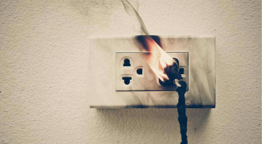brand door elektra oorzaak